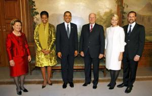 Queen Sonja, Michelle OBama, Barack Obama, King Harald, Crown Princess Mette Marit, and Crown Prince Håkon
