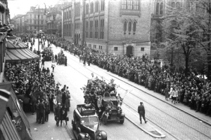 Liberation celebration in the on Karl Johans Street in Oslo 1945